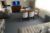 Titania Motel Image