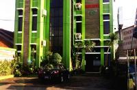 Green Hotel Image