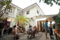 Red Inn Cabana Image