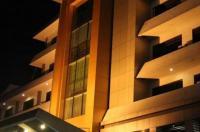 Hotel Kini Image