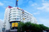 Super 8 Chengde Imperial Summer Resort Image