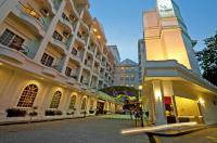 Flamingo By The Lake Hotel Image