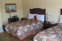 Lunenburg Arms Hotel Image