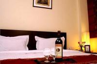 16 Square Luxury Suites & Boutique Hotel Image