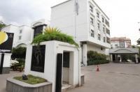 Hotel Green Park Hyderabad Image