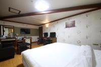 Taeung Tourist Hotel Image