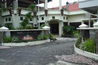 Palm Hotel Image