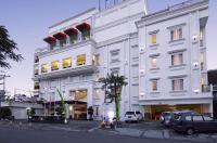 Hw Hotel Padang Image