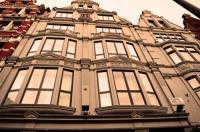 London Kings Hotel Image