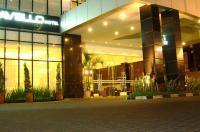 Travello Hotel Manado Image