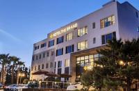 Jungmun Beach Hotel Image