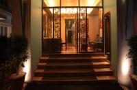 Justa Mg Road Hotel Image