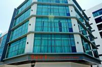 Super 8 Hotel Bayan Baru Image