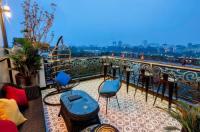 Meracus Hotel Image