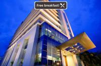 Hotel Santika Makassar Image