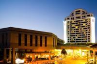 Thumrin Thana Hotel Image