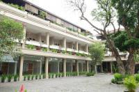 Hotel Catur Image