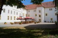 Schlosshotel am Hainich Image