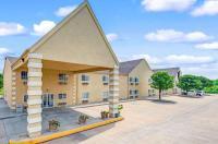 Super 8 Motel - De Soto Image
