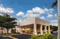 Ramada Hotel Venice Image