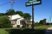 Garden Inn & Suites Image