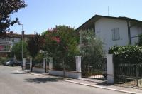 Villa Elegante Con Terrazzo E Giardino Image