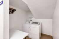 Motel 6 Olathe Image