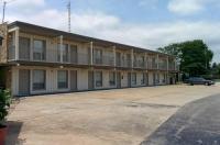Budget Host Stone's Motel Image