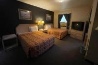 Twin Pine Motel Image
