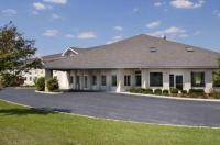 Baymont Inn & Suites Dowagiac Image