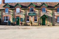Three Horseshoes Inn Image