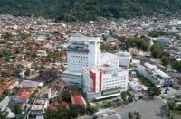 Grand Zuri Padang Hotel Image