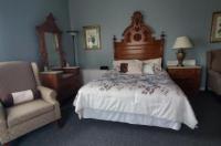 Historic Calumet Inn Image