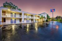 Motel 6 Gainesville Image