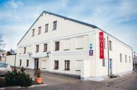 Hotel Colnus Image