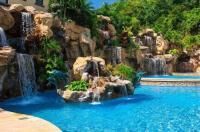 Clarion Suites Roatan At Pineapple Villas Image