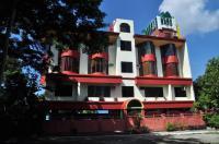 White Mansion Image