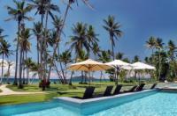 Castaways Resort & Spa On Mission Beach Image