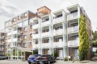 Adina Place Motel Apartments Image
