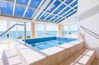 Beachfront Viscount Apartments Image