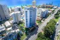 Rainbow Commodore Apartments Image