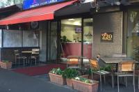 Carlton Lygon Lodge Studio Apartments Image