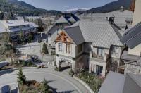 Whistler Peak Lodge Image
