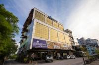 Sri Indar Hotel Image