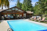 Casa Bella Guesthouse on Sechelt Inlet Image