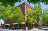McMenamins Hotel Oregon Image