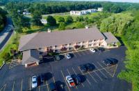 Hampton Falls Inn Image