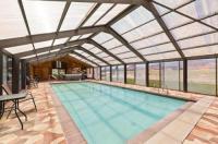 Broken Spur Inn & Steakhouse Image