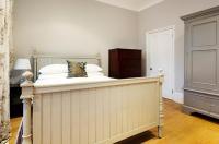 Veeve  3 Bedroom Home Marjorie Grove Clapham Image
