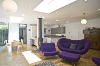 Veeve  4 Bedroom 60s Chic Broughton Gardens Highgate Image